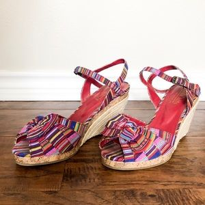 Cliffs by White Mountain Ribbon Wedges